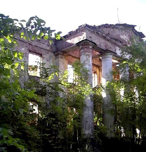 Abandoned Places In Battle Creek Michigan: 09- Ruins Of A Mansion, St. Petersburg Region, Russia