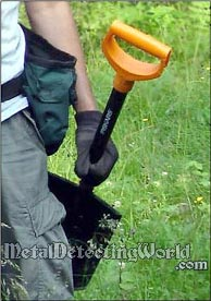 Fiskars Treasure Hunting Shovels for Metal Detecting