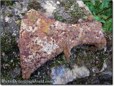 Rusty Axehead Left by Previous Treasure Hunter