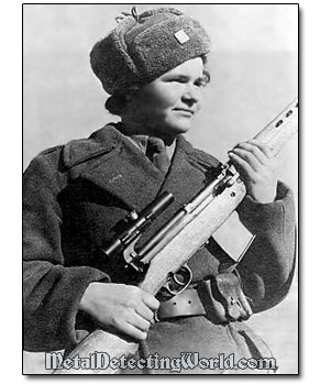 WW2 Woman Sniper with Tokarev SVT-40 Rifle