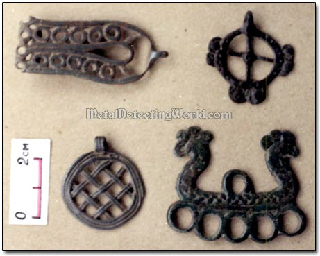 Bronze Zoomorphic Pendants Radanov Culture