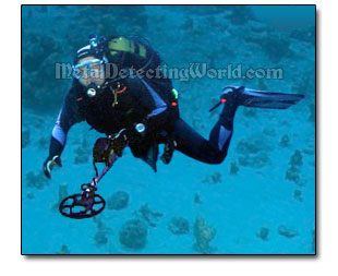 Underwater Scuba Treasure Hunter