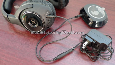 Both Sennheiser Headset and Transmitter Can Be Charged Simultaneously