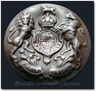 Discovery of WW2 Uniform Button