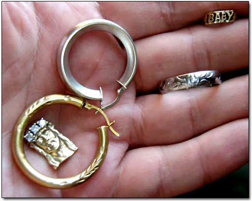 Jew Detector: Gold Jewelry Beach Metal Detecting